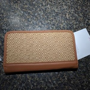 BRAND NEW Thirty-One Wallet